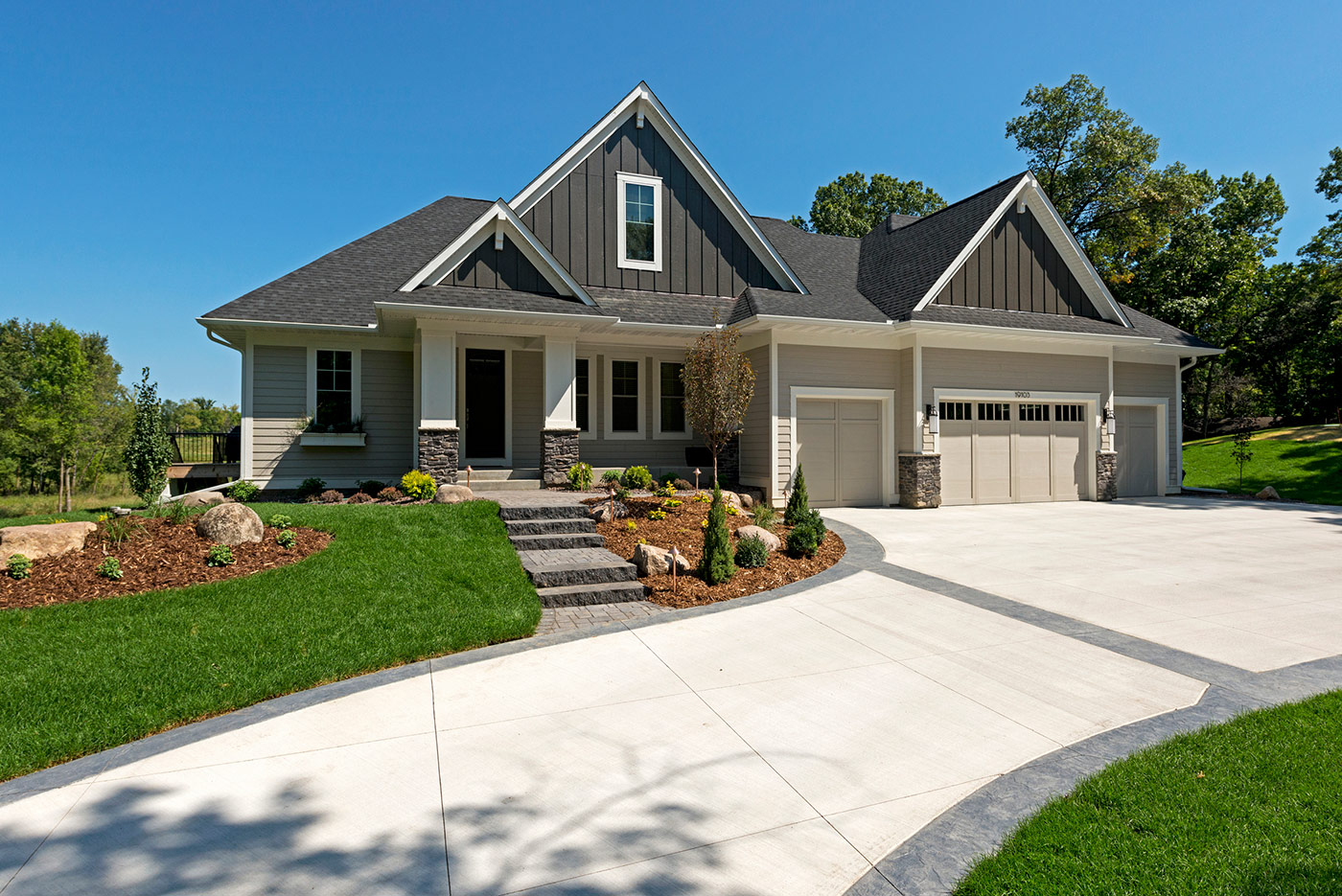 Custom home exteriors custom home builders new home for Housing builders